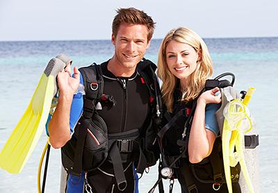 couple-with-scuba-gear-medium